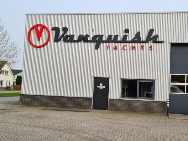 Vanquish-yachts-gevelreclame